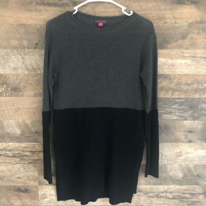 XS Vince Camuto Blk and Gray Tunic Sweater